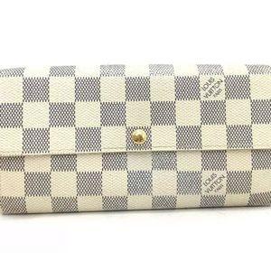 Authentic LouisVuitton Sarah long wallet